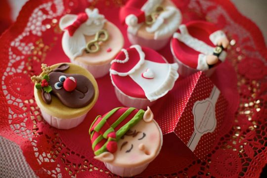 ChristmasCupcakes-PIMS